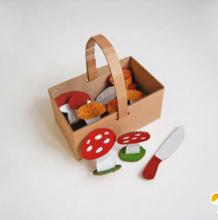 硬板剪纸制作儿童创意性小玩具 手工diy制作出漂亮可爱的儿童玩具教程图示