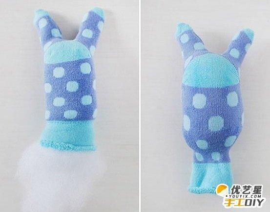手工袜子改造小兔子玩偶 可爱超萌小兔子玩偶 手工制作袜子改造小兔子