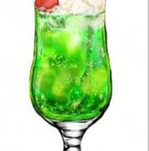 一杯看起来很好喝的饮料怎么画 绘画教程  一杯含柠檬苏打的饮料素材