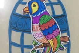 创意鹦鹉鸟笼儿童画彩色图片 有趣的鹦鹉鸟笼拼贴画图片