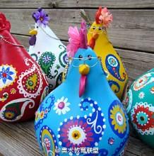 在葫芦上绘制的佩斯利图案鸡 鸡年创意手绘作品图片