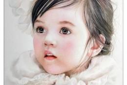 可爱粉嘟嘟的小女孩头像彩铅画教程图片 精美逼真的小女孩彩铅画肖像