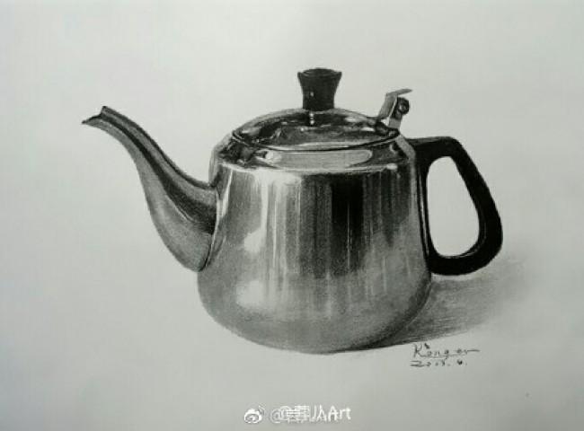 不锈钢水壶素描质感表现教程素描不锈钢壶怎么画不锈钢材质的素描画法 图片