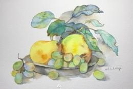 果盘里的梨子和葡萄水果静物水彩手绘教程图片 李子和葡萄的水彩画画法