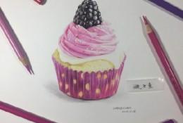 草莓奶油杯型蛋糕/口袋蛋糕cupcake手绘画教程图片 美味可口的蛋糕彩铅画画法