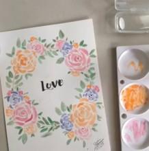【视频】好看的玫瑰花圆形花环水彩手绘视频教程图片 中间LOVE字做封面