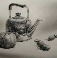 【视频】金属茶水壶南瓜小番茄组合静物素描手绘视频教程 素描打形上调子视