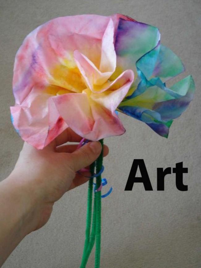 纸巾的色彩晕染手工创意 用餐巾纸制作蝴蝶,花朵,小鸟的创意色彩手工_www.youyix.com