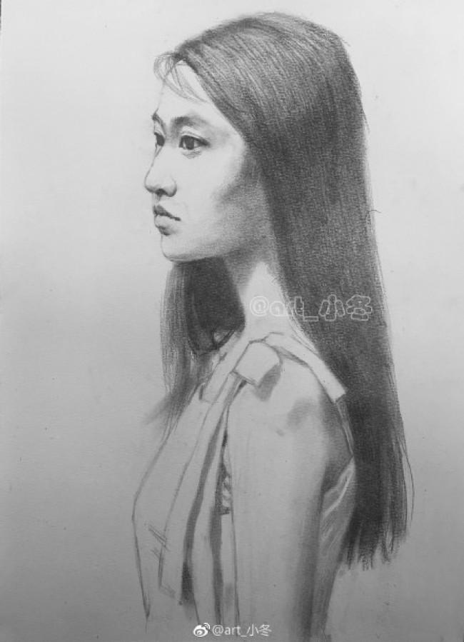 甜美气质长发女生侧身半身像素描手绘画教程图片 气质美女侧身素描头像画法_www.youyix.com