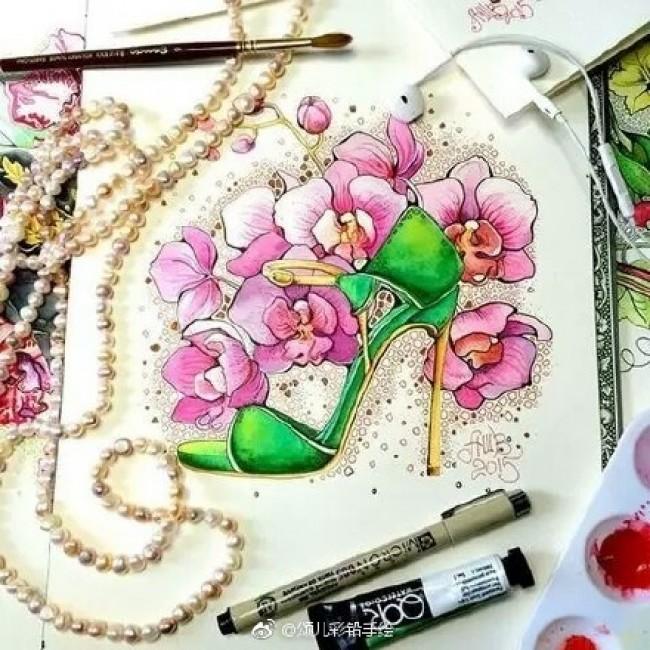 超美高跟鞋与花朵水彩画图片 唯美的高跟鞋手绘插画图片_www.youyix.com