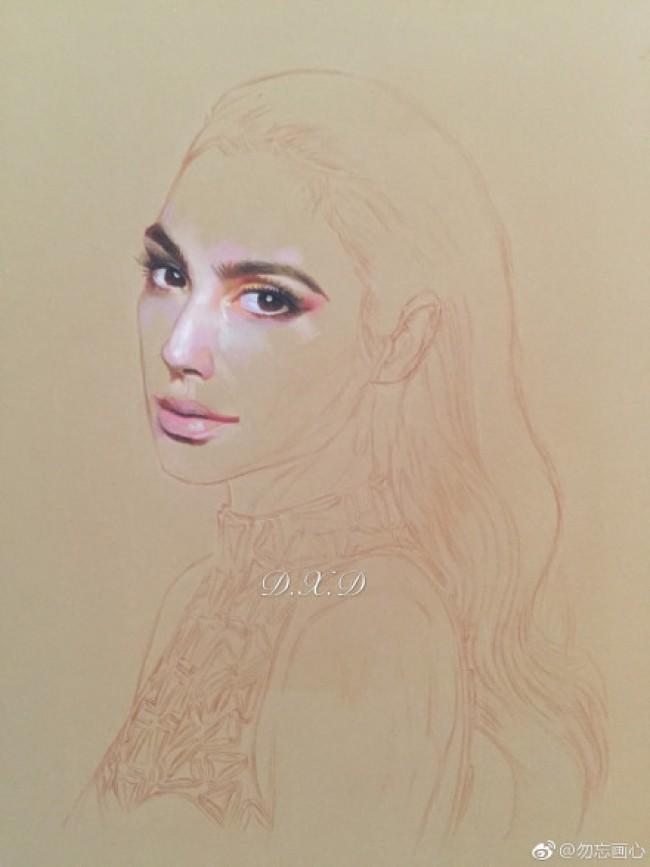 神奇女侠 盖尔·加朵 彩铅画手绘教程图片 盖尔·加朵怎么画 画法_www.youyix.com