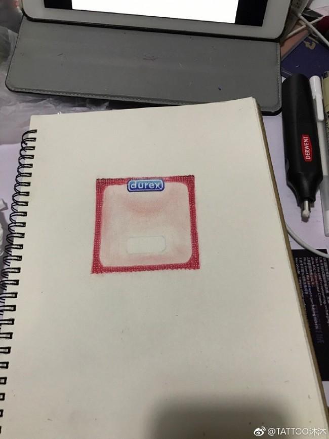 避孕套彩铅画怎么画 避孕套彩铅手绘教程 安全套的画法_www.youyix.com