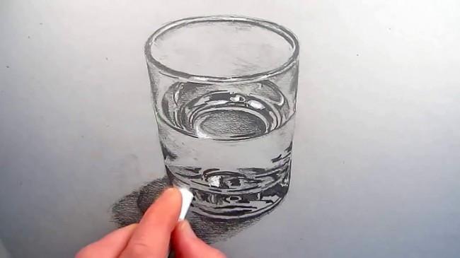 【视频】素描画装水的玻璃杯手绘视频教程 玻璃和水的画法 玻璃水质感怎么画_www.youyix.com